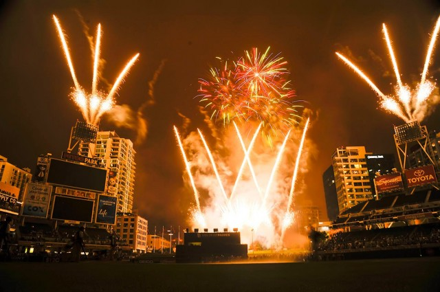 A spectacular fireworks show at the 2014 Baseball Winter Meeting