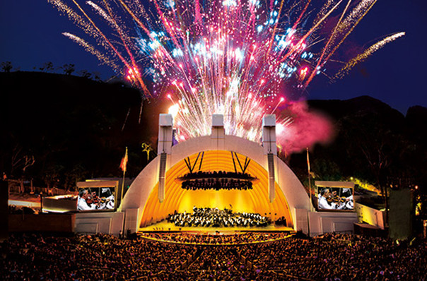 Journey works its magic at the Bowl