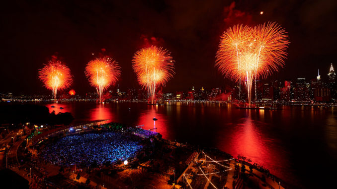 Photo Highlights of the Macy's 4th of July Spectacular