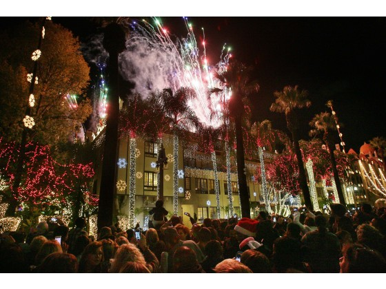 RIVERSIDE: Festival of Lights thrills crowds at Mission Inn