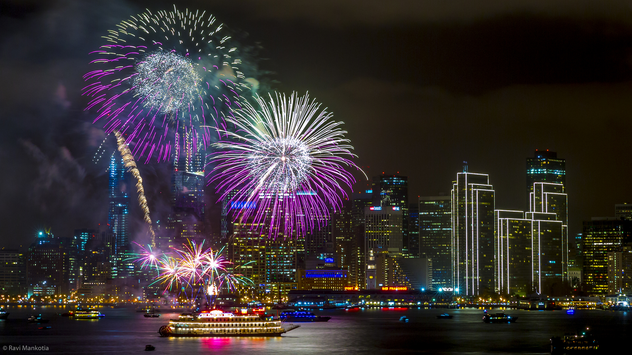 A fog-free 4th of July fireworks celebration in San Francisco