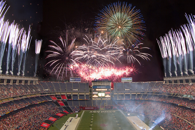 Pyro Spectaculars lights up the skies of San Diego for the 42nd annual KGB Sky Show!