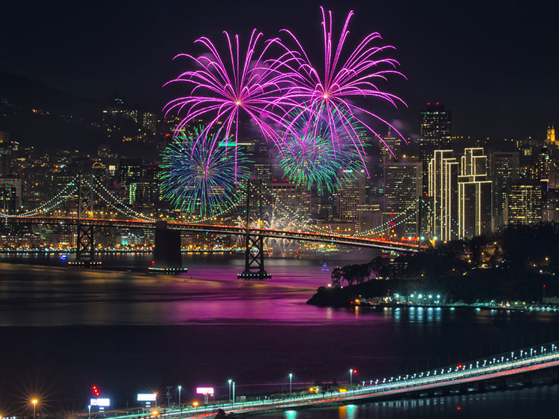 Fireworks over the bay - David Yu via Flickr