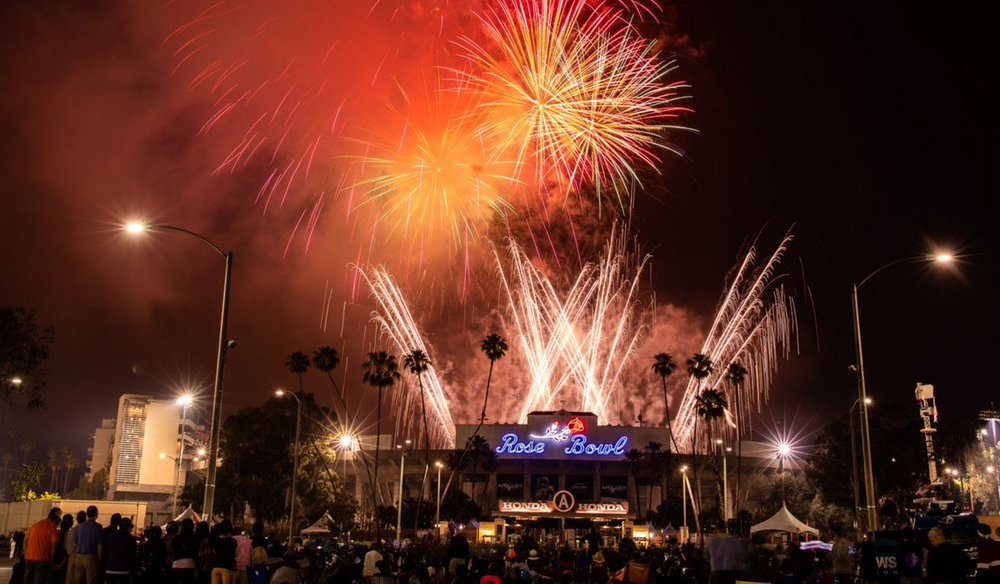 fireworks over rose bowl