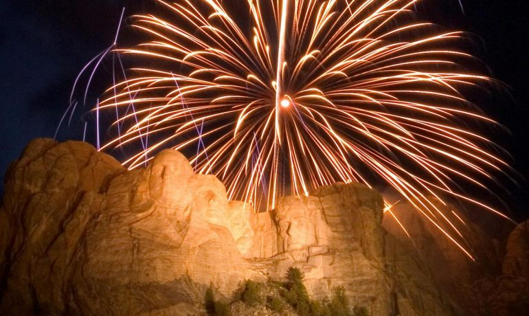 State Awards $350,000 Contract For Rushmore Fireworks
